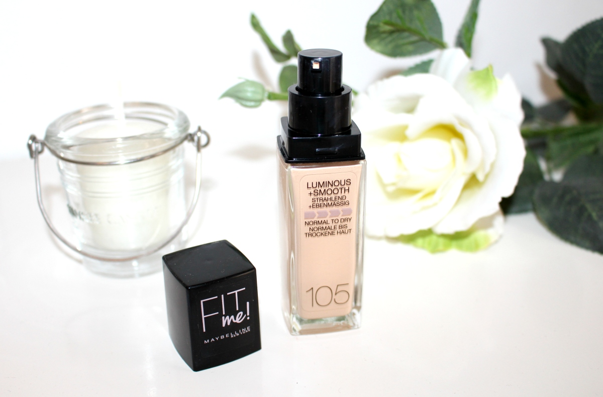Maybelline Fit Me Luminous + Smooth Foundation | Swatch e review